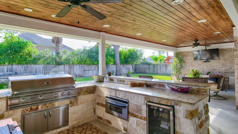 Outdoor Living: How to Set Up an Outdoor Kitchen